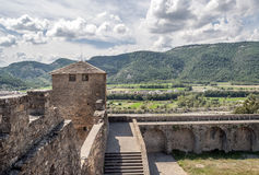 Felder von Ainsa mit Turmschloss Stockbild