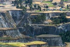 Felder von Zumbahua auf Ekuadorianer Altiplano Stockbilder