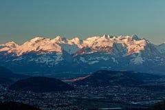 Feldkirch, Rhine dolina, Austria - wschód słońca nad Rhine doliną z śnieżnymi szczytami Apenzell Alps obrazy royalty free