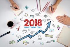 2018 Felices Año Nuevo La reunión en la tabla blanca de la oficina Imagen de archivo