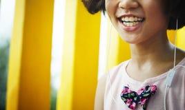 Felicidad asiática del niño en el patio Fotos de archivo libres de regalías