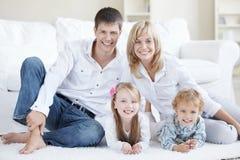 Felicidad de la familia imagen de archivo