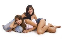 Felicidad de la muchacha del amigo de dos jóvenes Fotos de archivo