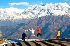 Felicidade com a aventura, turistas asiáticos, Nepal fotografia de stock royalty free