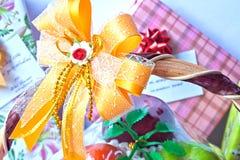 Felicidade enviada dos presentes Fotografia de Stock
