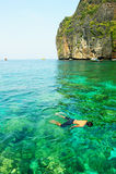 Felicità sulla baia d'immersione di Mahya (o sulla baia del Maya) Fotografia Stock Libera da Diritti