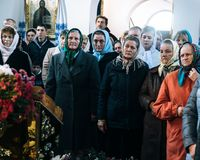Feligreses ucranianos de la iglesia ortodoxa imágenes de archivo libres de regalías