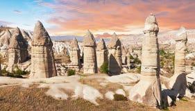 Felika chimenys i Cappadocia Royaltyfri Fotografi