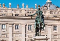 Felipe IV μνημείο στο τετράγωνο Ανατολής στη Μαδρίτη Στοκ Εικόνες