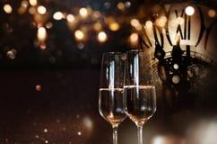 Feliz Año Nuevo con champán Fotografía de archivo libre de regalías