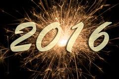 Feliz Año Nuevo 2016 con el fuego artificial Foto de archivo libre de regalías