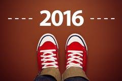 Feliz Año Nuevo 2016 con las zapatillas de deporte desde arriba Fotografía de archivo libre de regalías