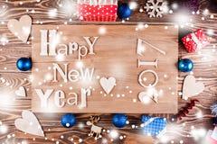 Feliz Año Nuevo de la inscripción de madera Imágenes de archivo libres de regalías