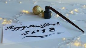 Feliz Año Nuevo 2018 de la inscripción exhausta almacen de metraje de vídeo