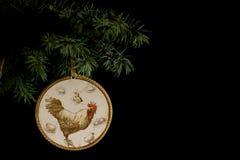 Feliz Año Nuevo 2017 de la tarjeta del gallo con decoupage hecho a mano del arte Fotografía de archivo libre de regalías