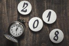 Feliz Año Nuevo de medianoche llamativa 2018 del reloj del reloj de bolsillo del vintage Fotografía de archivo libre de regalías