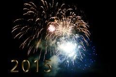 Feliz Año Nuevo 2015 - fuego artificial por noche Fotos de archivo