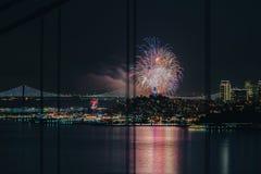 Feliz Año Nuevo 2018 @ San Francisco del fuego artificial Imagenes de archivo