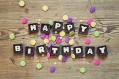 Feliz cumpleaños en chocolate foto de archivo libre de regalías