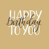 Feliz cumpleaños Tarjeta de felicitación de las letras de la mano, caligrafía moderna Fotografía de archivo