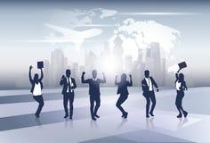 Feliz de Team Silhouette Businesspeople Group Cheerful del negocio aumentado entrega concepto del vuelo del viaje del mapa del mu Fotos de archivo
