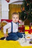 Feliz en la Navidad fotos de archivo