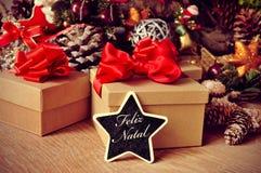 Feliz geboorte, vrolijke Kerstmis in het Portugees Stock Foto