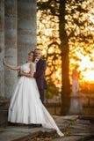 Feliz magnífico elegante romántico apacible por completo de los pares del amor Fotos de archivo