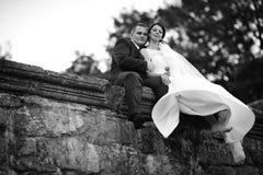Feliz magnífico elegante romántico apacible por completo de los pares del amor Imagenes de archivo