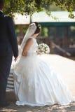 Feliz magnífico elegante romántico apacible por completo de los pares del amor, spr Foto de archivo libre de regalías
