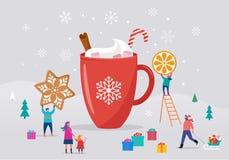 Feliz Natal, cena do inverno com uma caneca grande do cacau e um pessoa pequeno, homens novos e mulheres, famílias que têm o dive ilustração stock