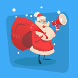 Feliz Natal do feriado do ano novo feliz do espaço da cópia de Santa Claus Hold Megaphone Gift Bag Fotografia de Stock