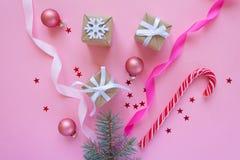 Feliz Natal e ano novo feliz Fundo cor-de-rosa Imagem de Stock Royalty Free