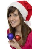 Feliz Navidad, adolescente feliz con el tre de la Navidad Fotografía de archivo