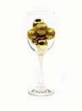 Feliz Navidad aislada con oro de la bola Foto de archivo libre de regalías