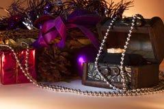 Feliz Navidad con el anillo de bodas Imágenes de archivo libres de regalías