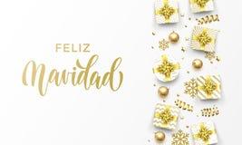 Feliz Navidad Merry Christmas Spanish guld- hälsningkort av guld- gåvor, stjärnor konfettier och snöflingor Högvärdig jul för vek vektor illustrationer