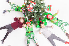 Feliz Navidad 2016 niños felices que celebran Fotos de archivo