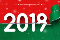 Feliz Navidad y Feliz Año Nuevo con 2018 en fondo rojo y verde de papel rasgado Imagen de archivo libre de regalías