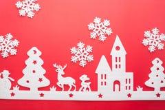 Feliz Navidad y Feliz Año Nuevo Cortador de la espuma de la ciudad con sno Fotos de archivo libres de regalías
