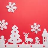 Feliz Navidad y Feliz Año Nuevo Cortador de la espuma de la ciudad con sno Fotografía de archivo libre de regalías