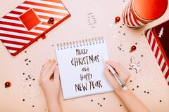 Feliz Navidad Y Feliz Año Nuevo Imagen De Archivo Imagen De Festivo Hembra 202109301