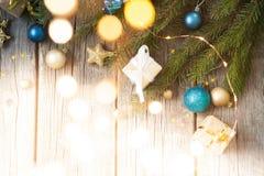Feliz Navidad y Feliz Año Nuevo Fondo de madera imagen de archivo