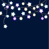 Feliz Navidad y Año Nuevo Garland Light Design en fondo azul Imagen de archivo libre de regalías
