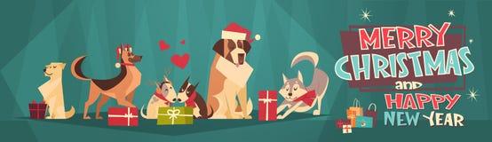 Feliz Navidad y bandera horizontal de la Feliz Año Nuevo con los perros que llevan la tarjeta de Santa Hats Winter Holidays Greet Imágenes de archivo libres de regalías
