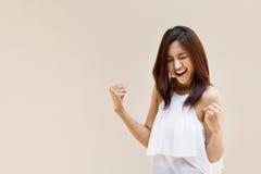 Feliz, positivo, sorrindo, mulher segura Imagem de Stock