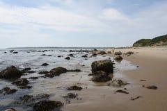 Felsen auf dem Strand in der Block-Insel Lizenzfreie Stockbilder