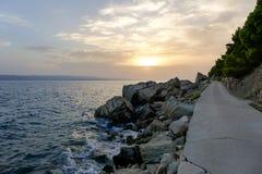 Felsen auf der Promenade von Brela Lizenzfreies Stockfoto