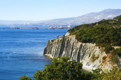 Felsen auf Seeküste Lizenzfreie Stockfotos
