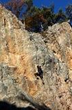 Felsen-Bergsteiger auf Felsen von Krim Stockfoto